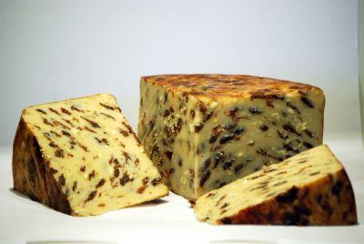 Lancashire Cheese with apples, cinnamon and raisins | Hartington Cheese Shop Cheese
