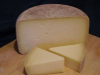 <p>Whitmore Ewe&#39;s Hard Cheese &#124; Hartington Cheese Shop</p>